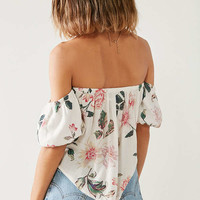 Kimchi Blue Pia Off-The-Shoulder Floral Blouse | Urban Outfitters