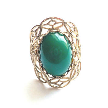 Vintage Green Cabochon Ring Filigree Adjustable Band Size Acrylic Cocktail Costume Fashion Ring