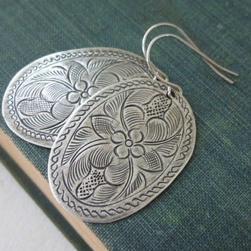 Leafy Oval Hook Earrings - Antiqued Silver Tin Leaf Oval Pendant Earrings Silver Fish Hook Ear Wires