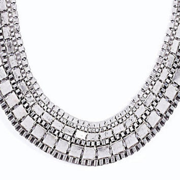 Thick Chain Necklace in Silver - Urban Outfitters