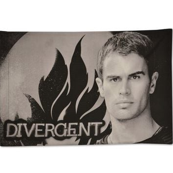 """Divergent Movie """"Four Face your Worst Fears"""" Pillowcase"""