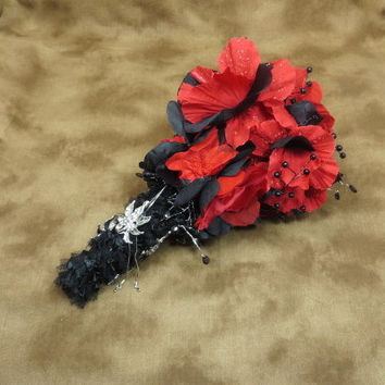Valentines Wedding - Bouquet - Red Bouquet - Black Bouquet - Gothic Wedding - Wedding Flowers - Wedding Bouquet - Bridal Bouquet