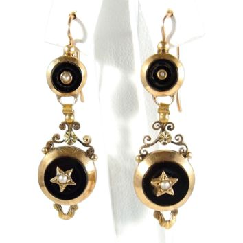 Superb dangling earrings, Napoléonic era stamped 18K French gold jewelry, onyx and demi pearl
