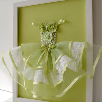 Nursery wall Art. Green Princess Dress. Girls room decor.