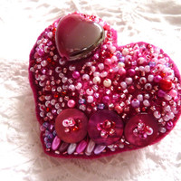 Pink Heart Beaded Brooch Pin a mixed media brooch fibre art jewellery.