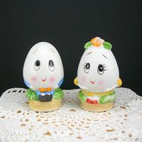 Salt and Pepper Set, Anthropomorphic Eggs Shakers, Boy and Girl, Bisque Ceramic, c1970, USA Shipping Included in Price