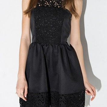 Boat Neck Plain Lace Patchwork A-Line Mini Black Dress
