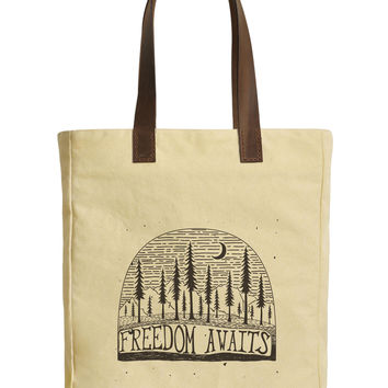 Women Freedom Awaits Beige Print Canvas Tote Bag Leather Handles WAS_30