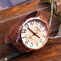Rivet Concise Leather Retro Wrist Watch