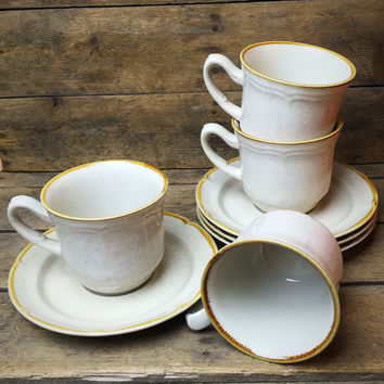 Set of 4 The Classics of Hearthside Teacups and Saucers stoneware