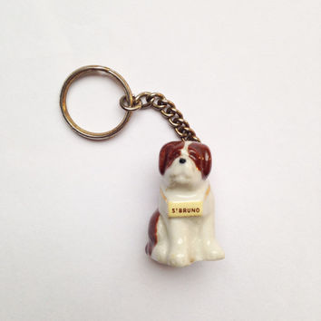 Tiny vintage St Bernard mountain dog keyring / keychain - pottery, ceramic, porcelain, china, ornament, figurine, Wade Whimsie, tiny, small