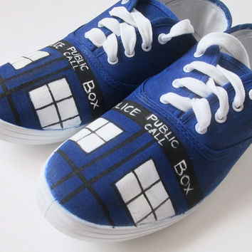 Personalized handpainted shoes, Tardis, Doctor Who Fanart shoes, custom sneakers