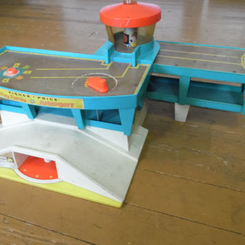 FREE SHIPPING - Fisher-Price Airport/Airport/Vintage Fisher-Price Toys/Vintage Toys/Children's Toys/ 1970's Toys