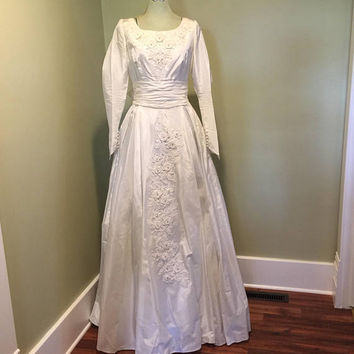 Taffeta Wedding Dress, Vintage Bridal Gown, 1950s mid century, Ivory, Off White, long sleeves