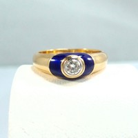 Splendid 18K solid gold ring with a enamel halo diamond setting Stamped fine vintage jewelry