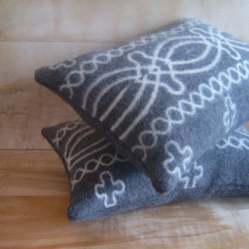 Pendleton Wool Pillow Pair 12x16 by RobinCottage on Etsy