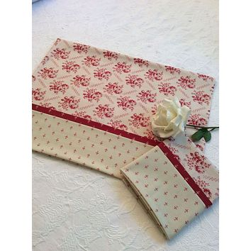 Williamsburg Red Roses Pillow Cases