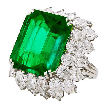 Harry Winston Colombian Emerald Diamond Platinum Cocktail Ring
