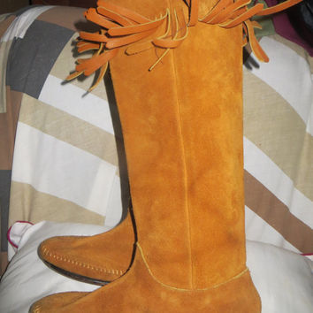 1970s  Women's Size 5M-  Mocassin Knee-High Leather  Suede Hippie boho  Boots With Fringes, Leather soles