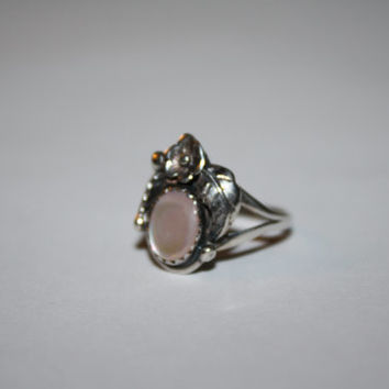 Size 5.5 Mother Of Pearl with flower Vintage Sterling Silver Ring Size 5.5 - free ship US