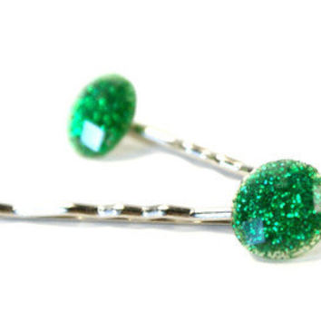 Sparkling Emerald Green Bobby Pin - Embellished Hair Pin - Emerald Green Jewel Cabochon Bobby Pin