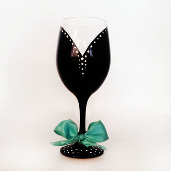 Breakfast at tiffanys wine glass - black and white - tiffany wired ribbon