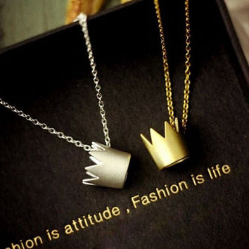 Womens Crown Pendant Necklace Gift-113