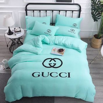 GUCCI Home Blanket Quilt coverlet 2 Pillows Shams 4 PC Bedding Set