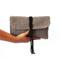 Brown raffia clutch, summer purse, woven bag, straw clutch bag, beach purse, paper raffia clutch with suede braid, brown summer bag, crochet