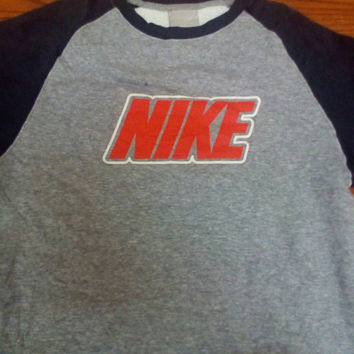 Nike sweatshirt with big logo vintage !