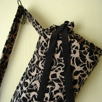 Batik print yoga mat carrier. Yoga mat holder for standard sized yoga mat. Yoga tote bag, yoga sling, hot yoga.