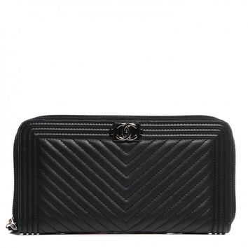 CHANEL Calfskin Chevron Zip Around Boy Wallet Black