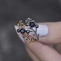 JULIET. Black Spinel Silver Leaf Ring – REGALROSE