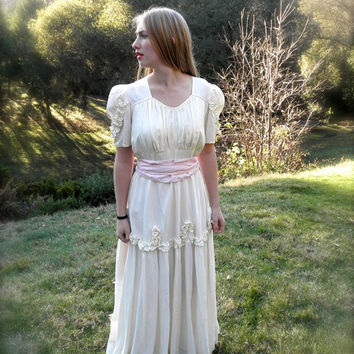 ROMANTIC 1930s Wedding Dress Sweetheart Neckline // Size Large 30s Vintage Formal White Wedding Gown Pink Sash