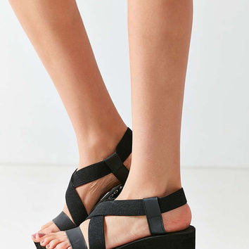 Rocket Dog Bayer Wedge Sandal - Urban Outfitters