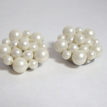 Vintage Pearl Cluster earrings clip on ladies costume jewelry classic traditional style bridal wedding jewelry