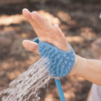Aquapaw: Pet Bathing in the Palm of Your Hand