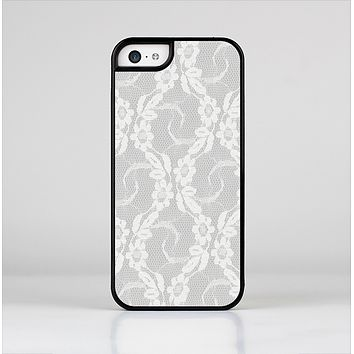 The White Floral Lace Skin-Sert for the Apple iPhone 5c Skin-Sert Case