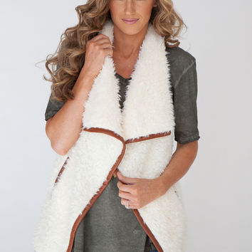 Faux Fur Contrast Edge Vest - Cream/Brown