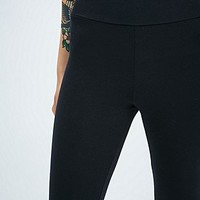 Truly Madly Deeply Basic Yoga Leggings in Black - Urban Outfitters
