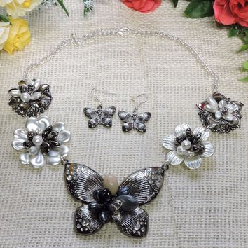 Butterfly Flower Beaded Rhinestone Fashion Necklace Earring Set Black White
