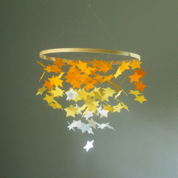 Medium Ombre Yellow Falling Stars Mobile