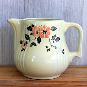 Hall's Red Poppy Pitcher // Hall's Superior Quality Kitchenware // Hall China // vintage // shabby cottage farmhouse chic