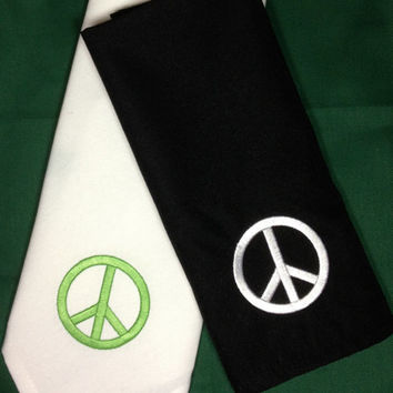 Set of 4 Peace Sign Embroidered Cloth Napkins - party napkins / custom made / table linens / kid's napkins / embroidered napkins