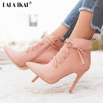 LALA IKAI - Vintage Fashion Lace Up Pointed Toe Booties*