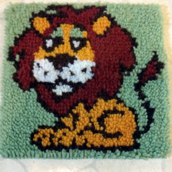 Vintage Lion latch hook rug wall hanging tapestry picture art Collectible Home Decor Toy Game Room super cute gift idea King of Jungle