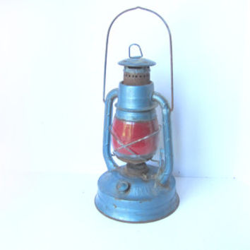 vintage Dietz little wizard railroad lantern 1930s. primitive industrial metal home decor