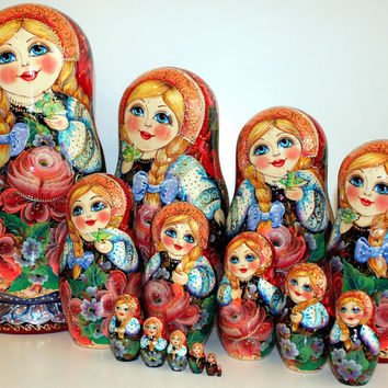 FREE SHIPPING Matryoshka. Russian Nesting Doll Flowers set 15psc traditional Russian wood art hand painted curved  Easter Christmas gift