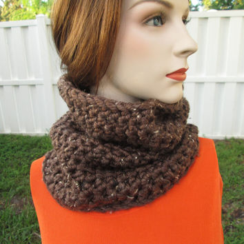 READY TO SHIP,  Brown Infinity Scarf, Crochet Cowl Scarf, Chunky Crochet Scarf, Loop Scarf, Crochet Neck Warmer