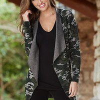 Camouflage cardigan, long and lean tee